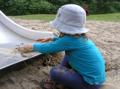 ... I love to play with sand!